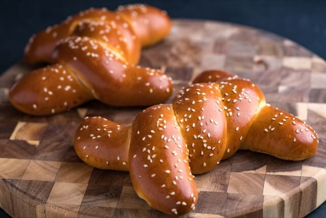 Egg Breads (Challah) Small