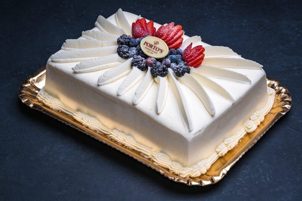 Milk'N Berries™ Cake 1/4 Sheet