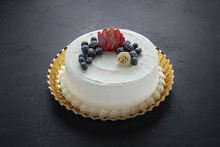Milk'n Berries Cake 8″