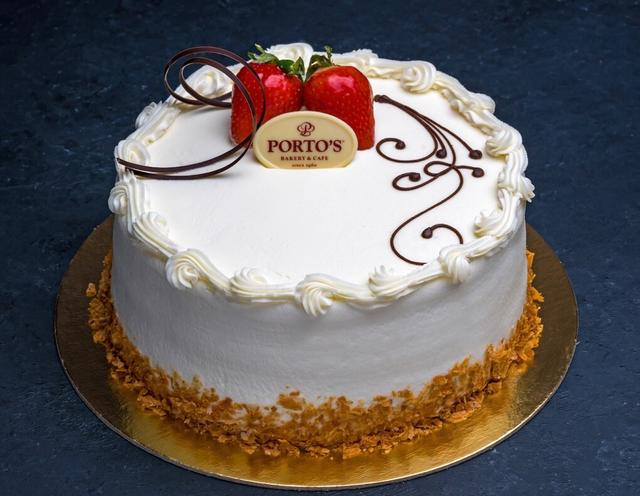 Cakes - Porto's Bakery