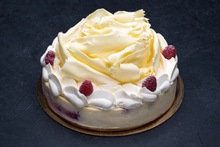 White Chocolate Raspberry Cheesecake 9″