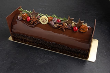 Holiday Yule Log – Chocolate Raspberry