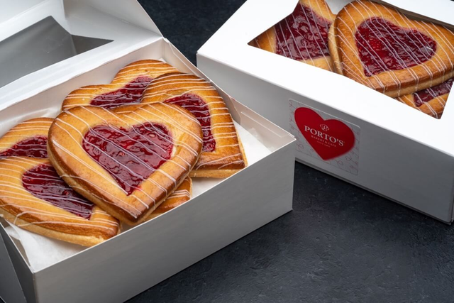 Raspberry Filled Heart Cookie Box