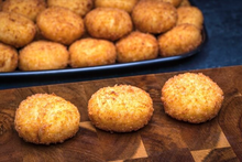 Cheese & Peppers Potato Ball® (Party Sized)