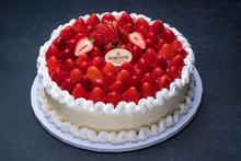 Fresh Strawberry Cheesecake 12″
